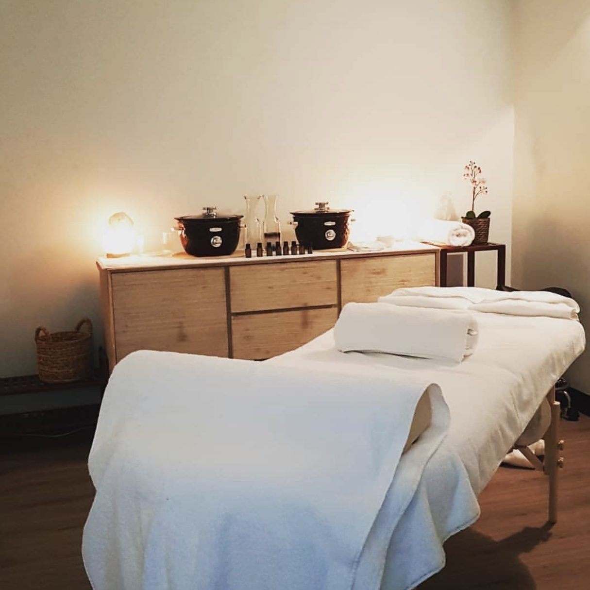 About Us Wholeife Wellness Centre Massage